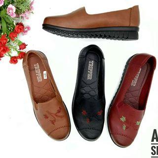 Tripper ขายส่งรองเท้าแฟชั่น Shoes Wholesaler